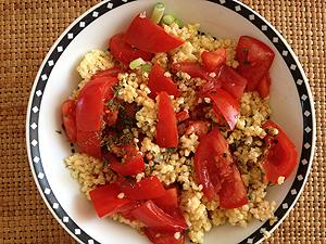gierst met tomaat en kruiden